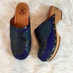 Lucky Brand indigo peace  suede wooden clogs